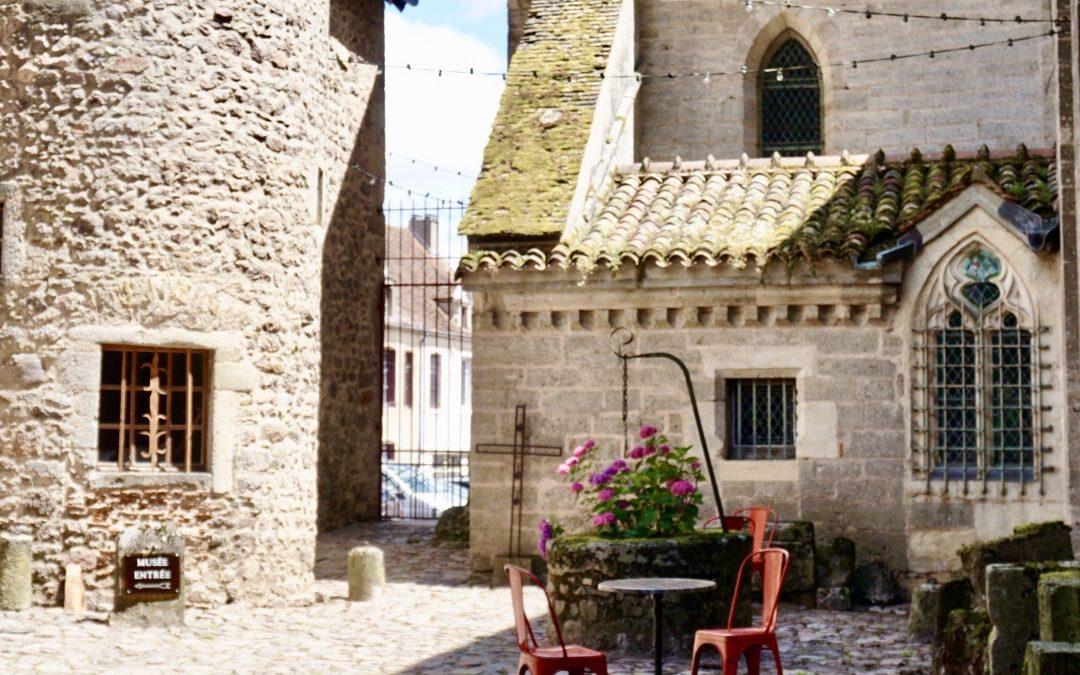 Escapade dans un des plus beaux villages de France avec le Domaine des Prés Verts